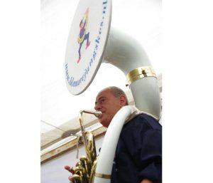 Peter: Bas tuba/Sousaphone